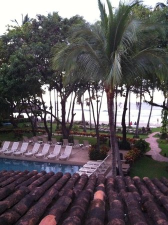 Hotel Tamarindo Diria:                   View from my room towards the beach