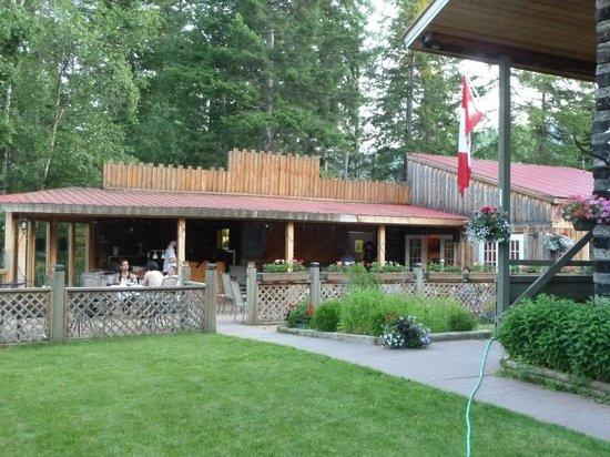 Trophy Mountain Buffalo Ranch:                   Der Grill und re. der Speisesaal