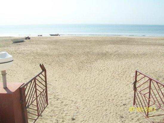Sugati Beach Resort:                                     Hotel to Ghoghla beach.