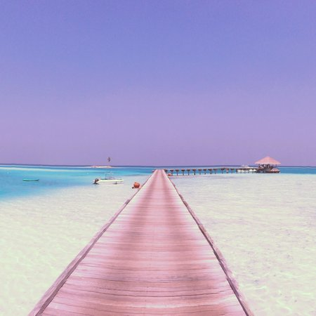 Gili Lankanfushi Maldiverna:                   A view of the arrival jetty
