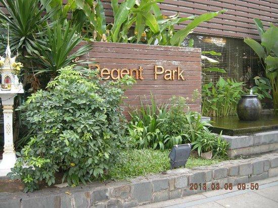 Regent Park Hotel :                   Hotel name