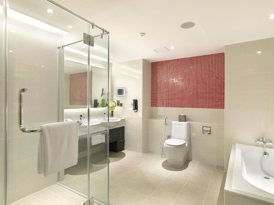 Sama-Sama Hotel KL International Airport: Deluxe Suite Bathroom