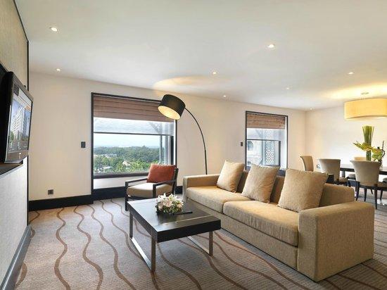 Sama-Sama Hotel KL International Airport: Deluxe Suite Living Room