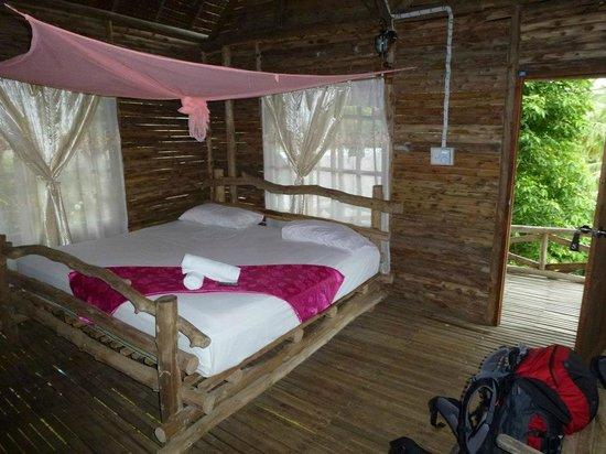 La-ngu, Thái Lan:                                     Bungalow Marina