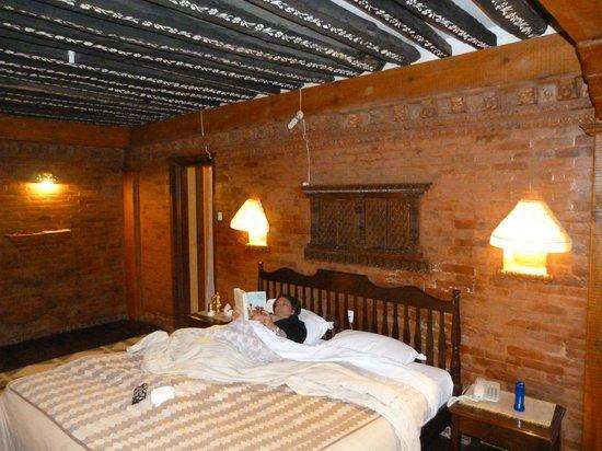 คันฑิปุระ เทมเพิล เฮ้าส์:                   Our deluxe room