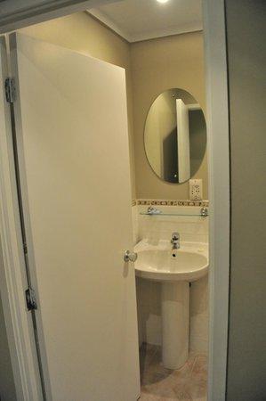Sai Motels: salle de bain