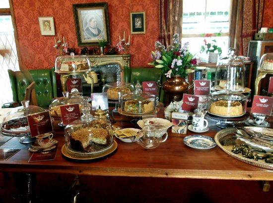 Her Majesteas Salon :                                     Table laden with goodies! Very difficult to choose.