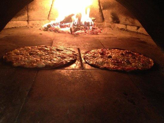 A la rabelaisienne, Pizzas cuites au feu de bois