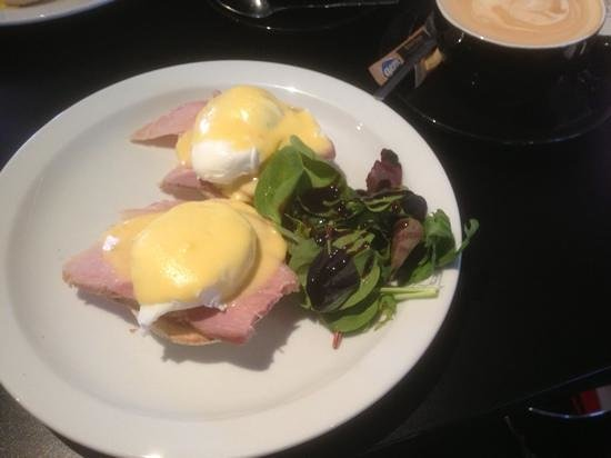 Diego's Cafe:                   The best poached eggs, ever!