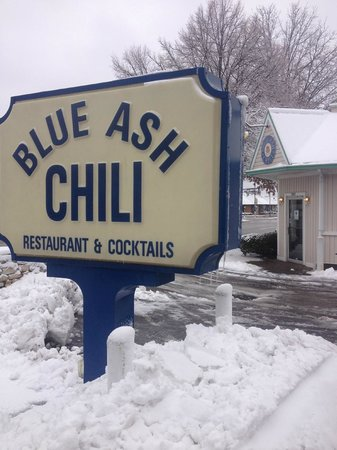 Blue Ash Chili:                   looking at the front door