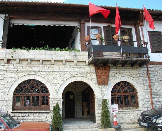 Hotel Mangalemi:                   Front entrance