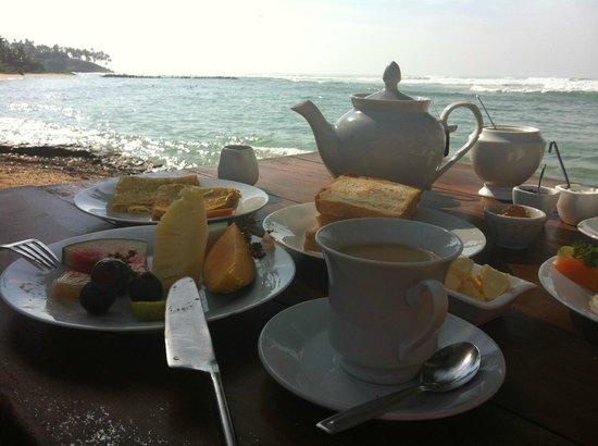 Palm Villa:                   Breakfast at the ocean