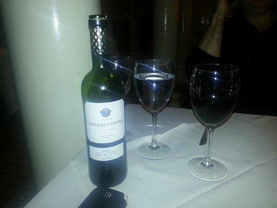 Radisson Blu St. Helen's Hotel, Dublin:                   Nice wine!