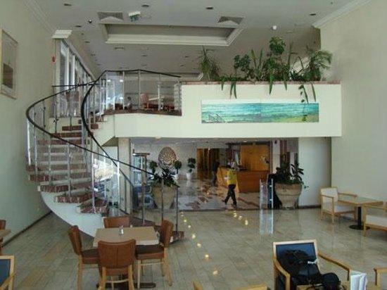 Grand Beach Hotel:                   Restaurant
