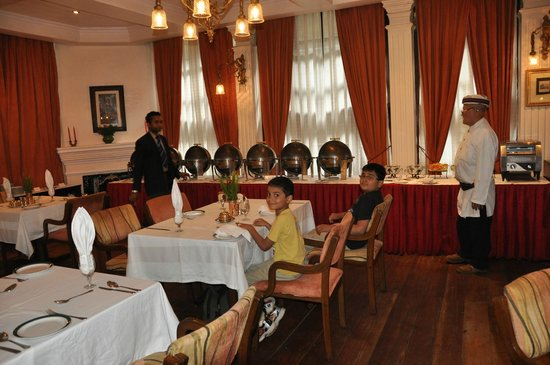 The Elgin, Darjeeling:                   Buffet