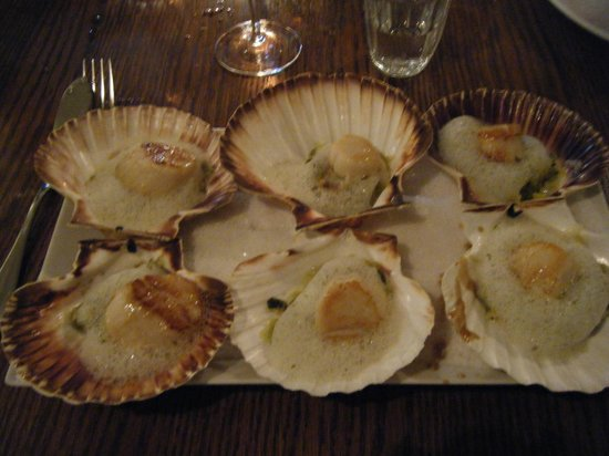 scallops with a seaweed emulsion picture of au bon coin paris tripadvisor. Black Bedroom Furniture Sets. Home Design Ideas