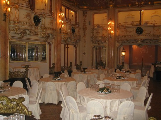 Grand Hotel Bohemia:                   Ballroom                 