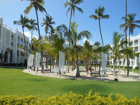 Hotel Riu Palace Bavaro:                   Cabana area