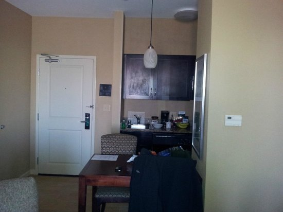 Homewood Suites by Hilton Plano-Richardson :                   Lounge - Kitchen