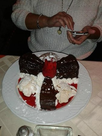 The Port of Call:                   My special Birthday Cake......... wow...
