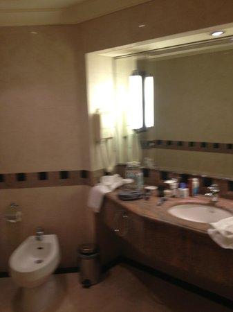 Jeddah Hilton :                   bagno