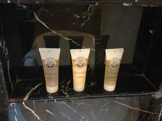 Pullman Jakarta Indonesia:                   Roger and Gallet Amenities