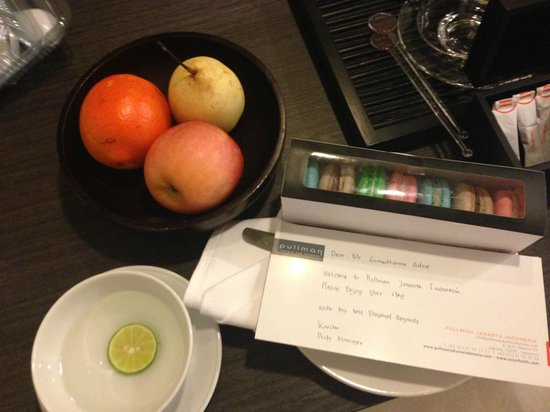 Pullman Jakarta Indonesia:                   Welcome fruit and Gift given