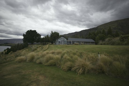 Whare Kea Lodge & Chalet :                   Whare Kea on Lake Wanaka