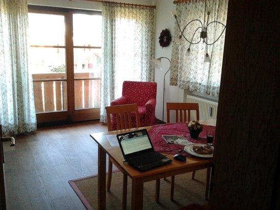Knöpfle's Ferienwohnungen:                   Dining Room