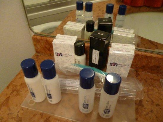 Hotel Fiera: Il fornitissimo set cortesia business in bagno