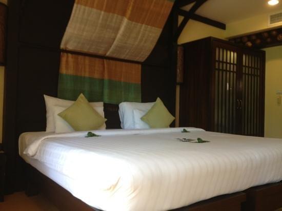 Samui Jasmine Resort :                   large bed