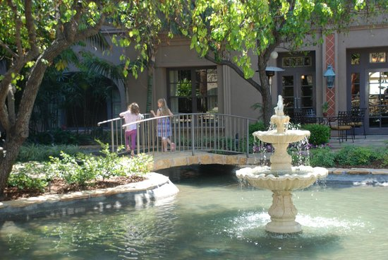The Langham Huntington, Pasadena, Los Angeles:                                     Beautiful grounds