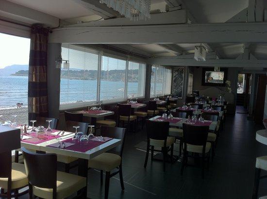 restaurant le grain de sable dans saint cyr sur mer avec cuisine fran aise. Black Bedroom Furniture Sets. Home Design Ideas