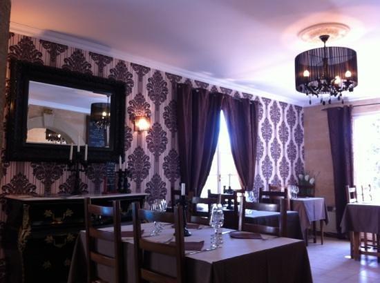 Roquebrun, Francia: 1er. salle