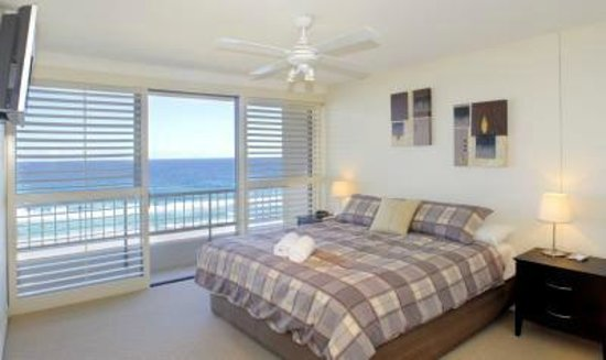Norfolk Luxury Beachfront Apartments : Ocean views from your bed