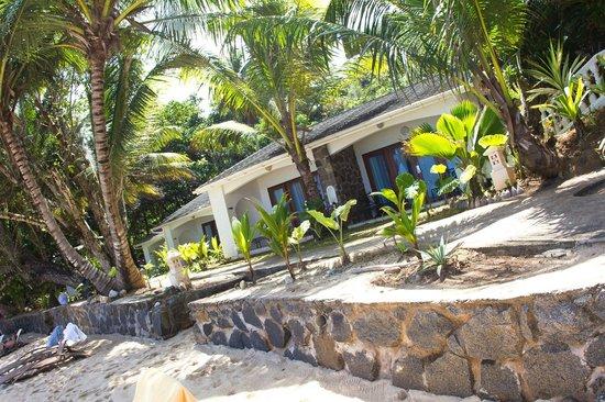 Sunset Beach Hotel: номера которые внизу около пляжа