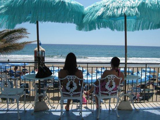 Hotel Aurora: veranda del Bar Nautilus