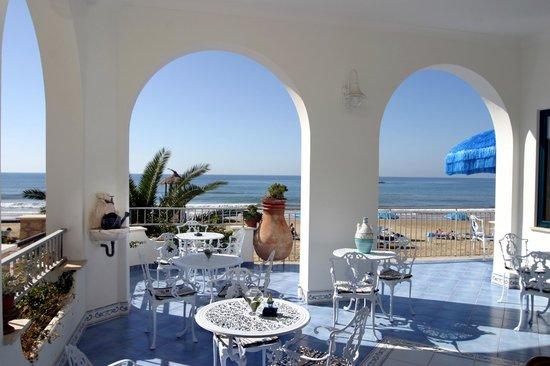Hotel Aurora: veranda Nautilus Bar