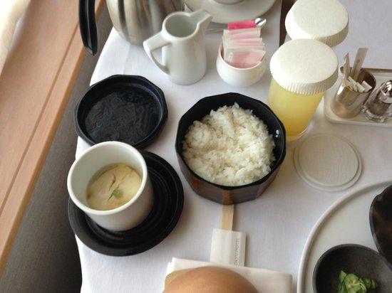 Cerulean Tower Tokyu Hotel:                   和朝食 白米 お豆腐