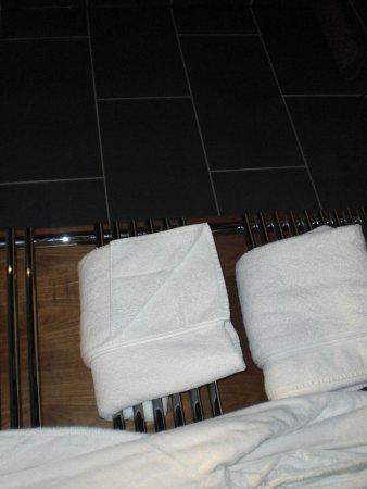 Kimberley Hotel:                                     Bathroom