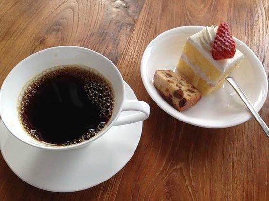 Hotel Nikko Kanazawa:                   コーヒーデザート