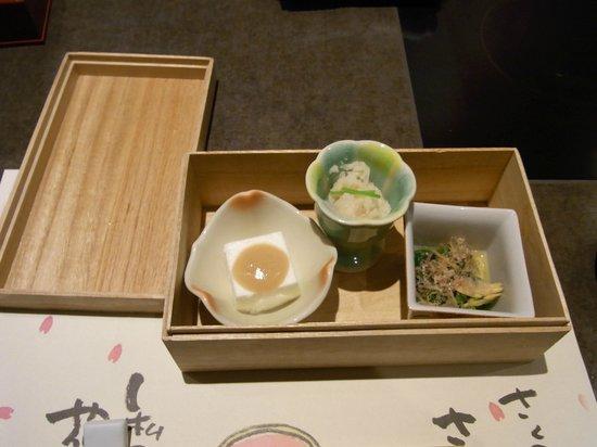 Umenohana:                   小鉢三種 (・ホワイトアスパラ豆腐 ・菜の花の辛子浸し・卯の花煮)