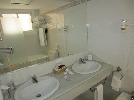 Colon Hotel: salle de bain