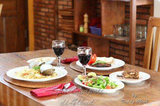 dinner at spaccanapoli di ubud