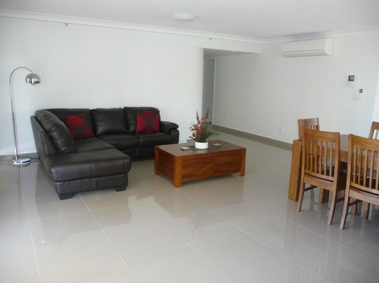 Zenith Apartments:                   Spacious living room