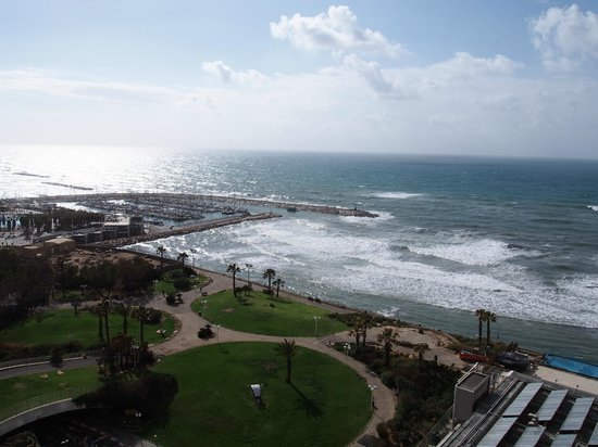Hilton Tel Aviv:                   View from balcony to sea