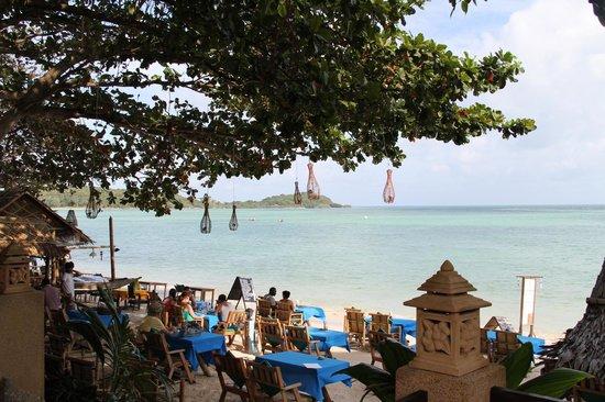 Chalala Samui Resort:                   Beach view from pool side