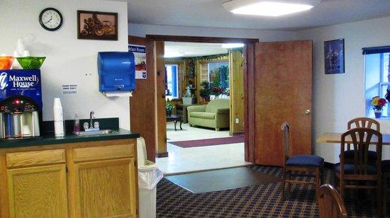 Knights Inn Athens:                   Breakfast room