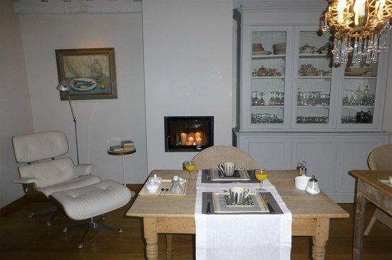 Bed & Breakfast Speelmansrei:                   Breakfast Room