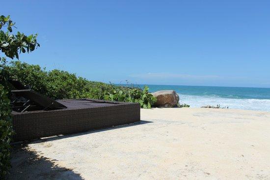 Sosua Ocean Village: Шезлонг на берегу
